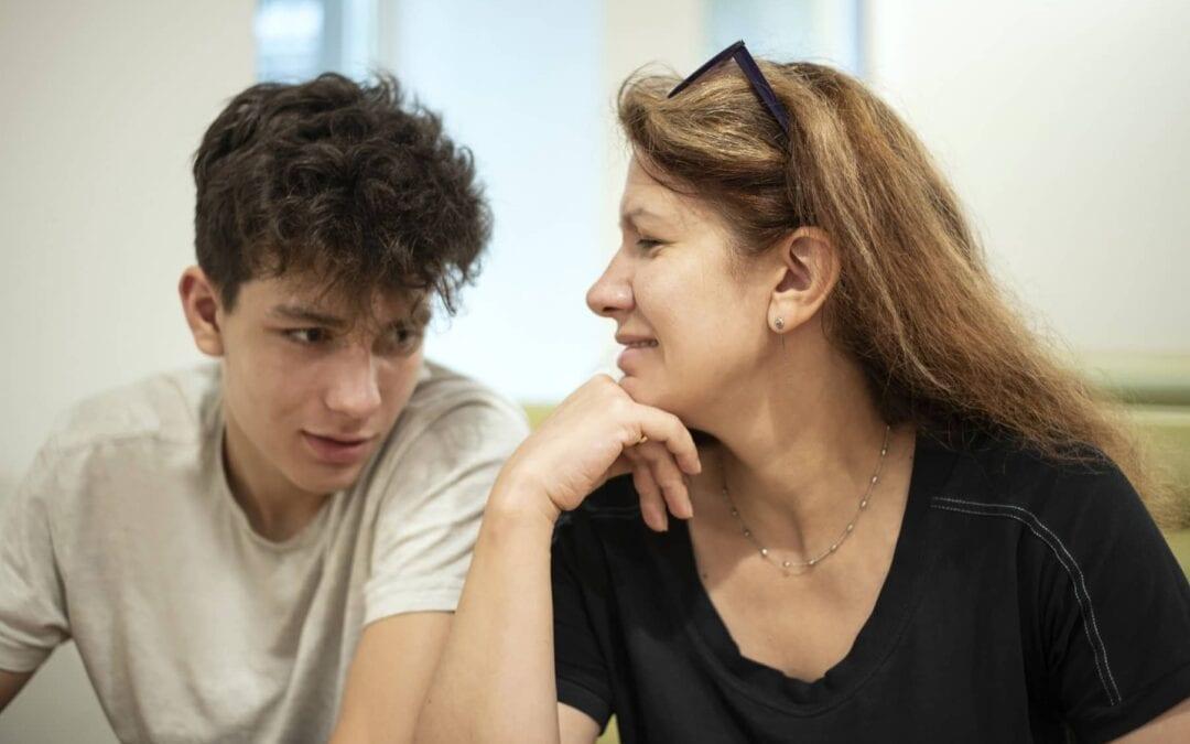 Jak rozmawiać z nastoletnim dzieckiem?