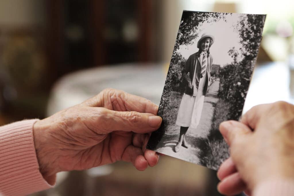 Pamięć odległych wydarzeń w chorobie Alzheimera