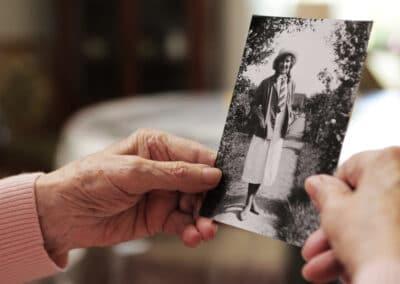 """Alzheimer """"bez pazurów"""" - jak zapobiegać, rozpoznać i leczyć chorobę Alzheimera"""